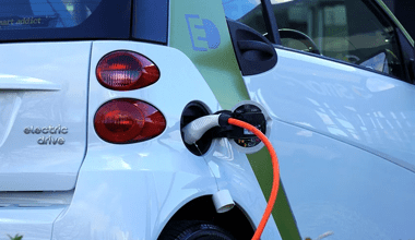 vehicule-electrique-borne-recharge-hp
